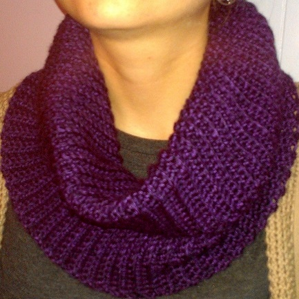 Shes Hooked 3 Easy Crochet Cowl Scarves With Pattern And Yarn